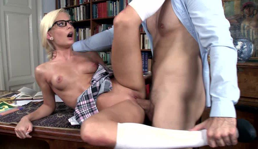 21sextury.com-schoolgirl-fucked